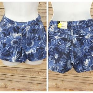 HUE Stretch Chino Blue Floral Shorts